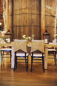 25 Sweet And Romantic Rustic Barn Wedding Decoration Ideas