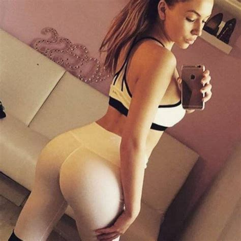 Yoga Pants Are A Real Turn On Pics Izismile Com