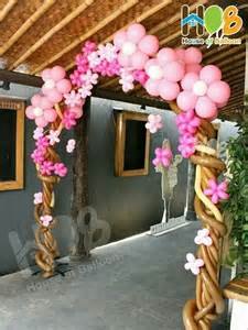 Tree Balloon Arch with Flowers