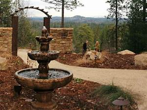Photo page hgtv for Backyard water fountains
