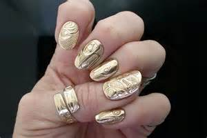 Golden nail arts i want to try stylebees