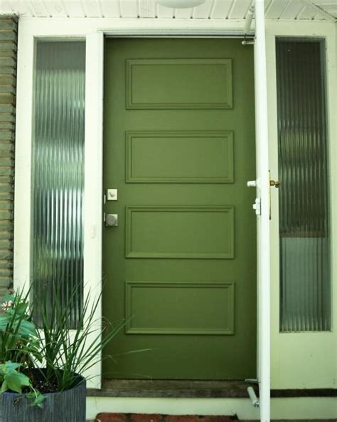 painting a front door learn how to paint your front door how tos diy