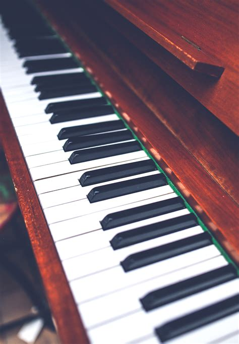 piano keys wallpaper  pictures
