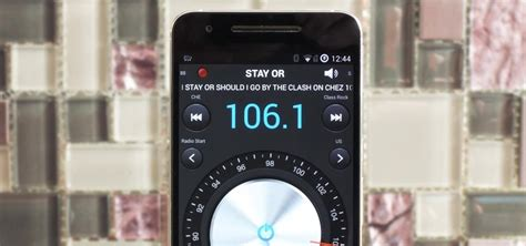 listen to radio on phone how to listen to fm radio on a android smartphone
