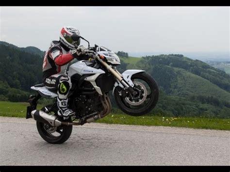 Suzuki Gsr 750  Nakedbike Test