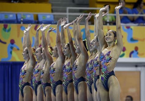 USA Synchronized Swimming Team Performing In Times Square
