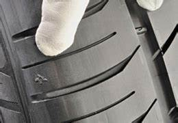 Usure Pneu Interieur : le pneu cet inconnu le marquage michelin tout sur le pneu ~ Maxctalentgroup.com Avis de Voitures