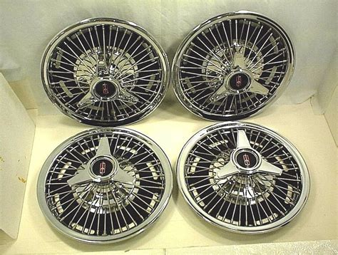 Oldsmobile Hubcaps 14
