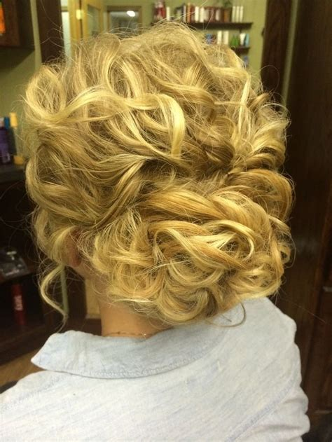 Bridesmaid Updo Hairstyles For Hair by 30 Bridesmaid Hairstyles For Hair Best