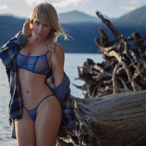 Sexy Photos Of Sara Jean Underwood The Fappening 2014