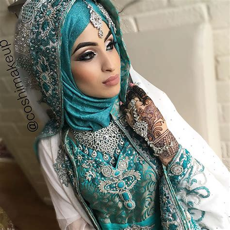 gorgeous brides wearing hijabs   wedding day