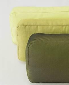 coussin rectangulaire en tissu pour canape piumino by zeitraum With tapis bébé avec coussin rectangulaire canapé