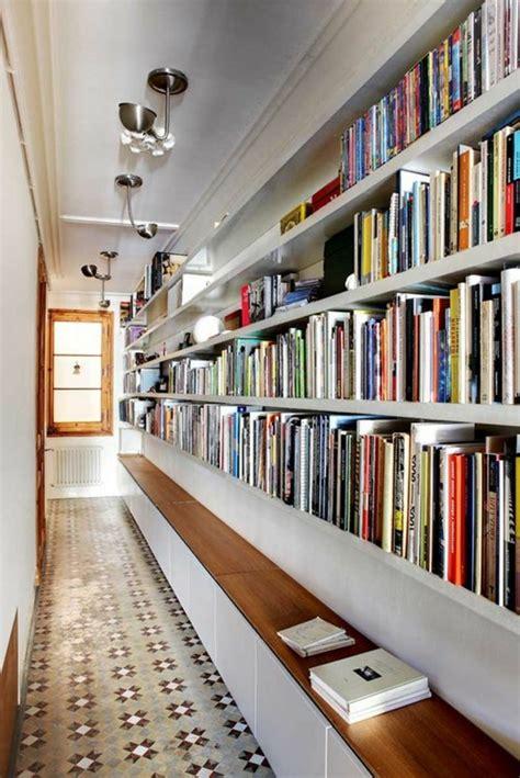mezzanine avec canapé la bibliothèque murale en 65 photos inspirantes archzine fr