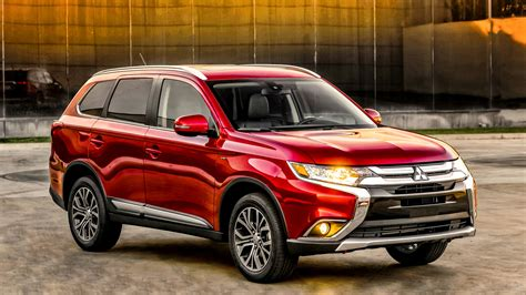 2015 Mitsubishi Outlander Wallpaper