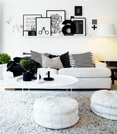 Schwarz  Weiß In Streifen  Der Kontrast, Der Immer Im