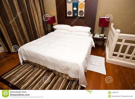 disposizione da letto sistemazione della da letto con una stanza da bagno