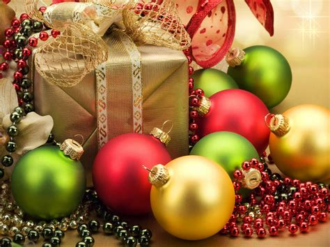 christmas gift decorations red yellow green balls