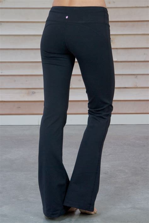 OT Kira Grace Reviews Part 1 - Flare Pant Knee Pant and Capri Legging | Lululemon Oneshot