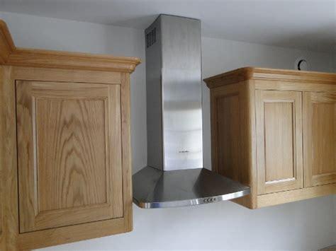 element haut de cuisine cuisine sur mesure bois chene ebenisterie brettes