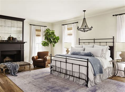 Joanna Gaines Bedroom Design Ideas by 7 Dreamy Bedroom Tips From Professional Homebody Joanna