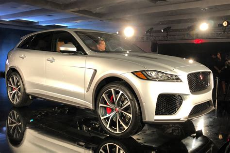 jaguar  pace svr unveiled carbuyer