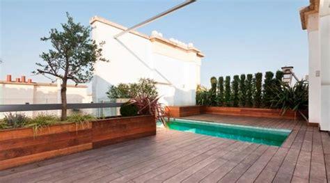 penthouse avec terrasse de   cote du louvre paris