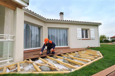 Décorer Sa Terrasse En Bois by Les R 233 Glementations Pour Construire Une Terrasse