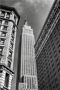 Bild New York Schwarz Weiß : sascha kilmer empire state building new york city schwarz wei poster online bestellen ~ Bigdaddyawards.com Haus und Dekorationen