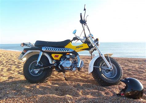50cc Suzuki by Skyteam T Rex 50 Moped New 50cc Based On Suzuki Rv125 Sand