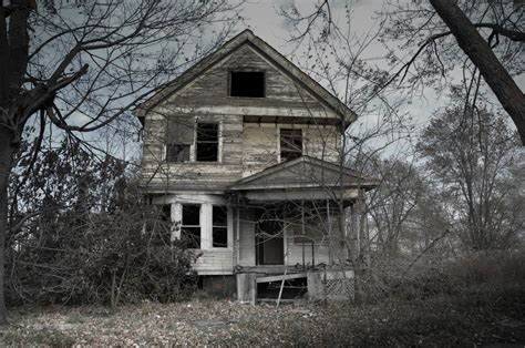 House Horror by 13 Spooky Looking Houses That Inspired Ghost Stories