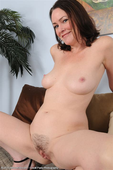 alluring milf veronica snow play her punani moms archive