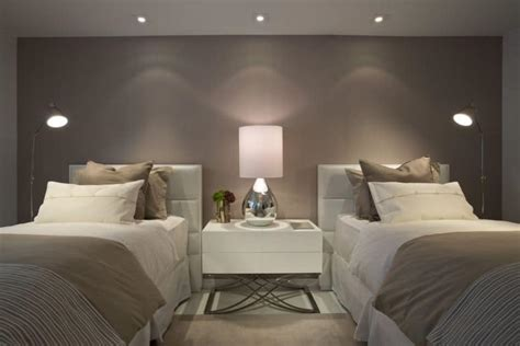 Taupe Interior Design by Best Ideas For Decorating With Taupe Color