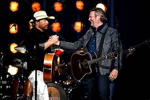 Toby Keith, Blake Shelton Join for Classic Duet at 2018 ACMs