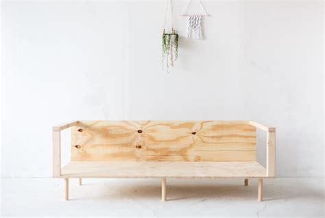 divano in legno fai da te realizzare fai da te un comodo divano in legno dettagli