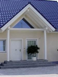 hausbau details dach garagen fassade treppen With markise balkon mit tapete blumen vintage