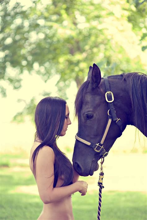 close horse rider secret between there horses must