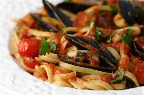 big bold beautiful food mussels fra diavolo