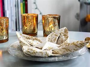 Pliage De Serviette Pour Noel : un pliage de serviettes facile pour no l les projets ~ Melissatoandfro.com Idées de Décoration