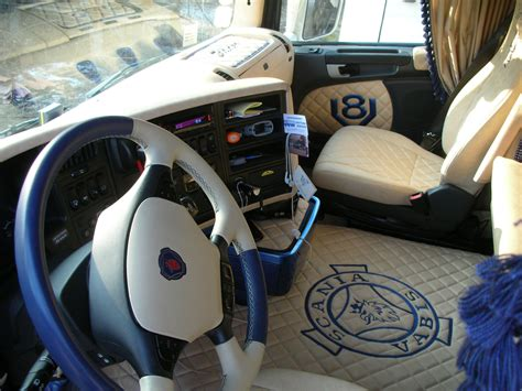 Interni Camion Cabina Camion Scania Truck Interior Www Sellerieconta It