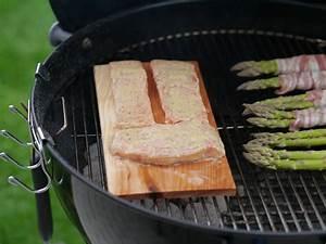 Fisch Grillen Weber : lachs auf zedernbrett grill ~ Buech-reservation.com Haus und Dekorationen