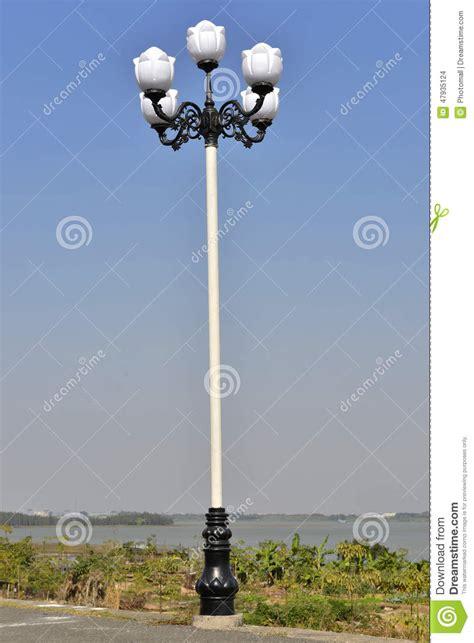 white l outdoor l light