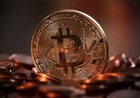 Cours du bitcoin face à l'euro, au dollar. Bitcoin : Ces facteurs qui ont fait flamber le cours du bitcoin, multiplié par 4 en six mois ...