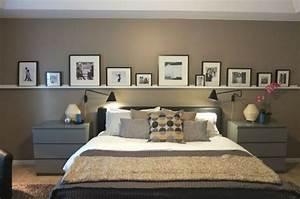 Bilderleiste Selber Machen : bilderleiste an der wand hinter dem bett im schlafzimmer ideen f r eine bilderwand pinterest ~ Orissabook.com Haus und Dekorationen