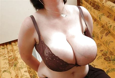Mature Big Boobs In Bra Amateur Collection 21 Pics