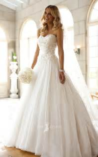 strapless sweetheart ball gown wedding dress with