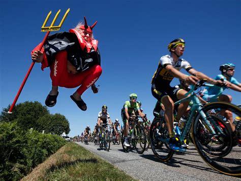 Fans In Costumes At The Tour De France, Photos
