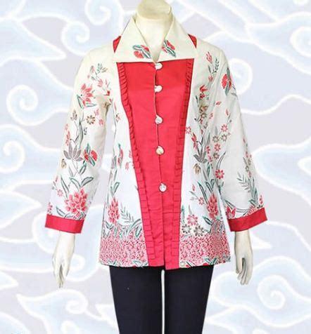 contoh model baju batik wanita modern terbaru