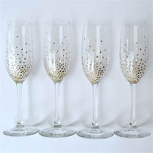 The hidden facts about how to decorate champagne glasses for Decorate champagne glasses