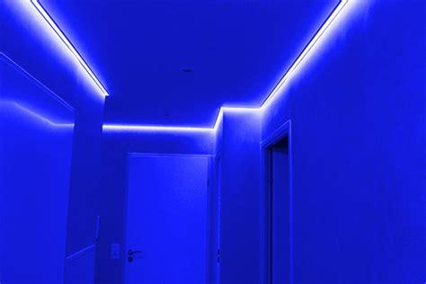 installer ruban led plafond plafond tendu et chemin de led color 233