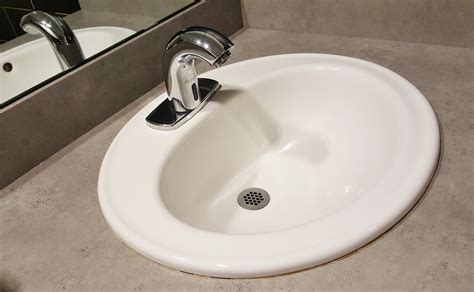 Draining Bathroom Sink by Four Tips For A Home Smell As Clean As It Looks